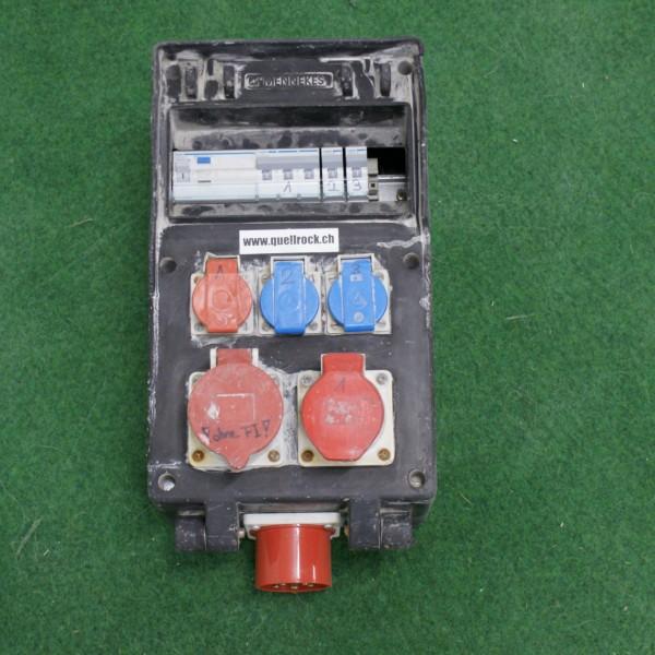 Steckdosenverteiler mit CEE 32 Einspeisung und CEE 32 Abgang